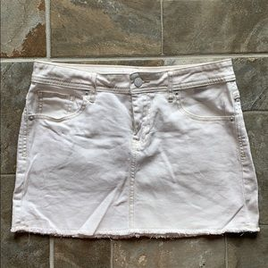 B2GOFREE 🍭White Jean Mini Skirt Sz2